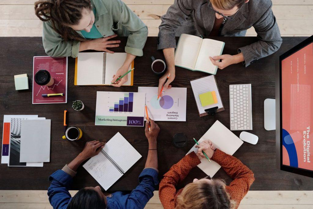 Optimalisasi Penggunaan Teknologi Internet dalam Bisnis