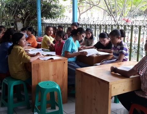 Kisah Inspiratif Agnes: Anak Yatim Piatu Jago Matematika dan Bisnis